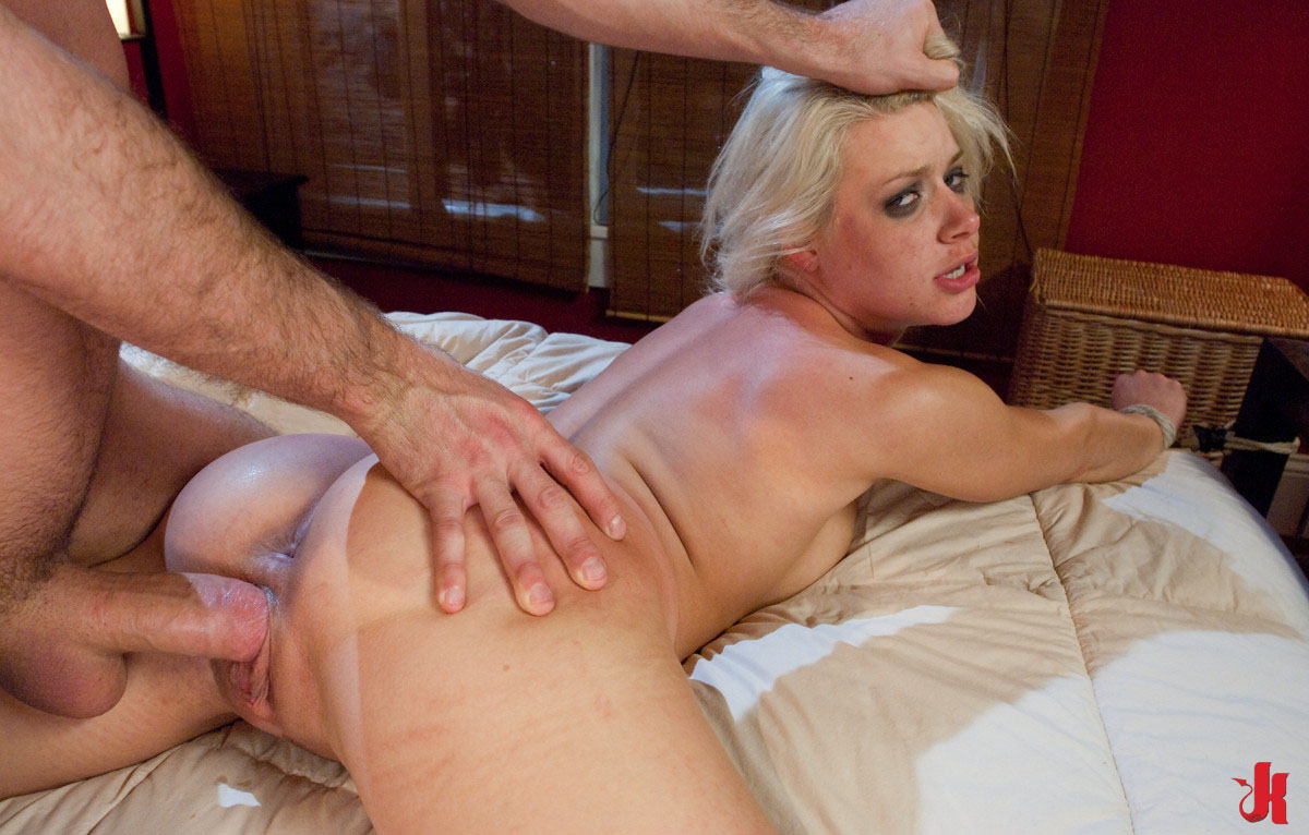 Can suggest sex and submission blonde